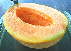 250px-Half_cut_of_Yubari_melon