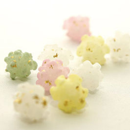 Beautiful Wagashi with Gold-leaf Topping of Kanazawa prefecture