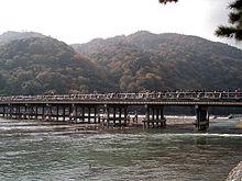 220px-Kyoto_arashiyama01