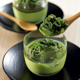 "Popular Japanese Sweets, ""Matcha Mount Blanc Pudding"""