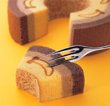"""Tokyo Banana (東京ばな奈)"" Japanese Sweet of 'Baumkuchen'"